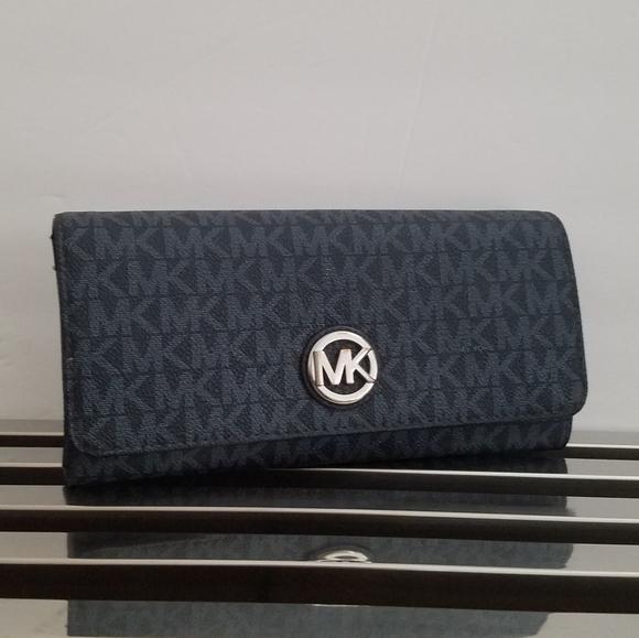 Michael Kors Handbags - Mk Fulton Carryall Wallet (Blue)